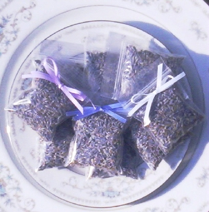 lavender wedding toss bags by lavender fanatic wedding favors